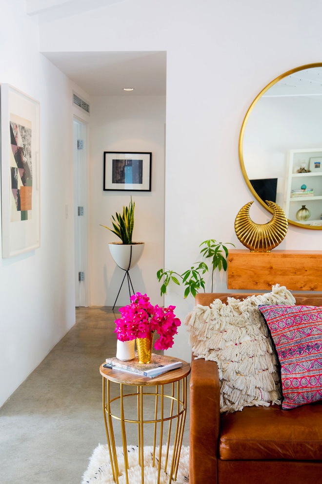 Inspiring California Homes // Sarah Yates' Palm Springs abode via A House in the Hills